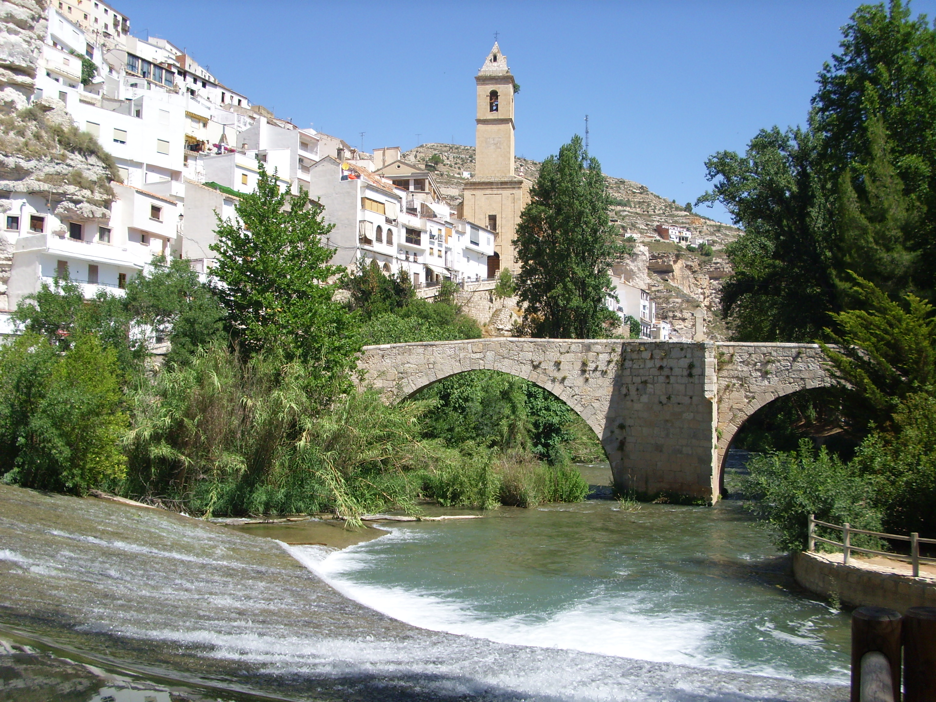 Himno alcal del j car casas rurales alcal del j car - Casa rural el castillo alcala del jucar ...