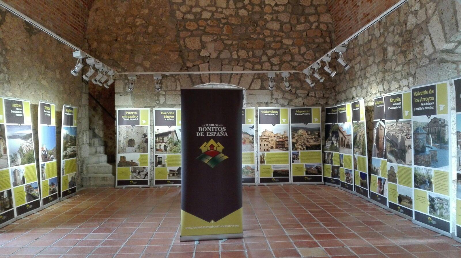 Exposicion castillo alcala del jucar casas rurales alcal del j car - Casa rural el castillo alcala del jucar ...